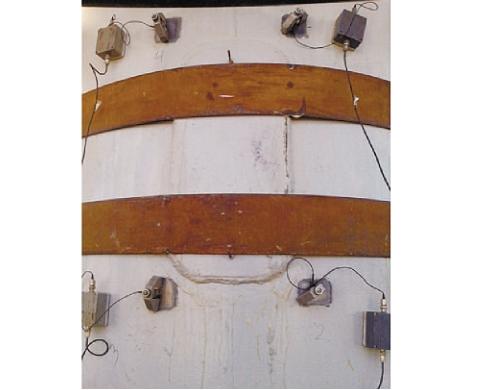 Рис. 2. Схема расположения датчиков АЭ при мониторинге адсорбера