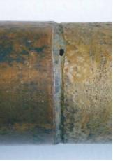 Рис. 1. Коррозионные повреждения труб теплообменников: а – на внешней поверхности;