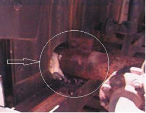 Рис. 5. Подсос воздуха в узле ввода трубы в камеру конвекции печи