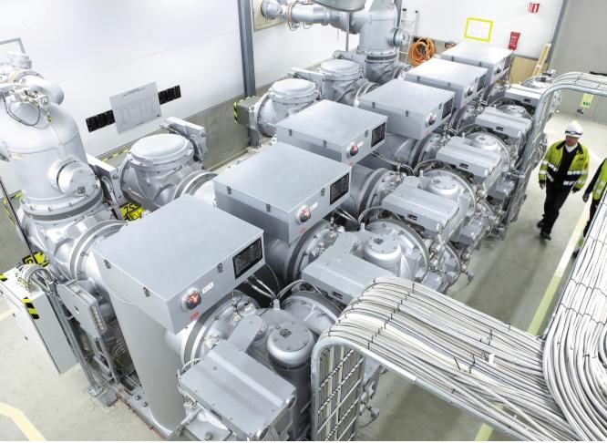 Рис. 4. Элегазовое РУ на 170 кВ производства компании «АББ» распределяет энергию на руднике