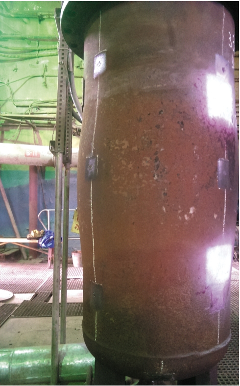 Рис. 2. Деформация цилиндрической обечайки корпуса