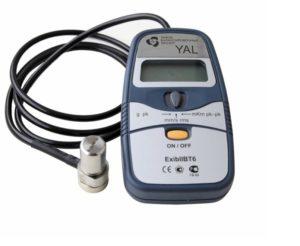 Рис. 2. Измерительные средства для контроля оборудования различных групп: а – виброметр YAL; б – виброанализатор CORVET; в – многоканальный блок UMS-16