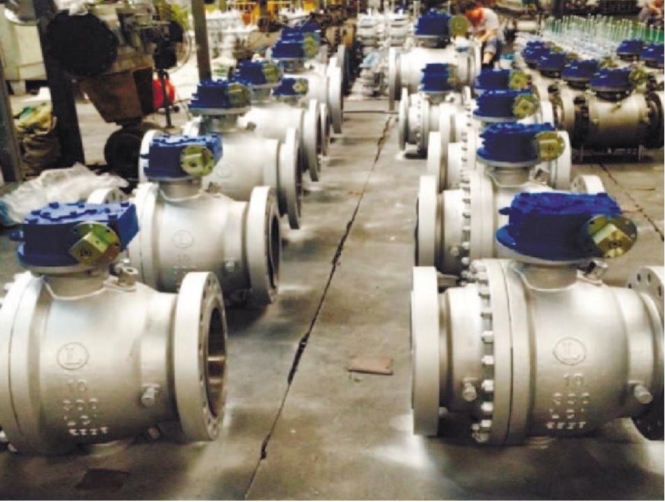 Рис. 2. Краны шаровые DN200, 250, PN40 из низкотемпературной углеродистой и коррозионно-стойкой сталей