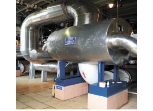 Рис. 1. Теплообменный аппарат VAHTERUS PSHE 9HA-432 в цехе подогрева нефти