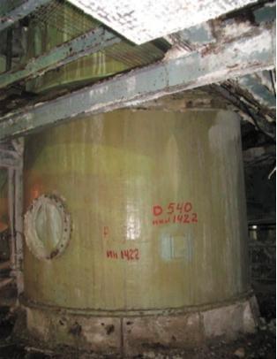 Рис. 1. Стеклопластиковый абсорбер (нижняя часть корпуса), эксплуатирующийся в производстве минеральных удобрений