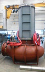 Насос Amarex KRT, оснащенный высоковольтным двигателем (мощность 1 МВт, напряжение питания 6000 В)