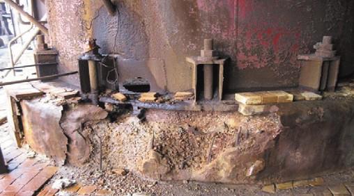 Рис. 4. Разрушение кислотоупорной плитки