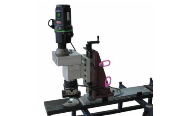Рис. 4. Переносной сверлильно-расточной станок PB-250 для выполнения сверления, торцевания, расточки, фрезерования