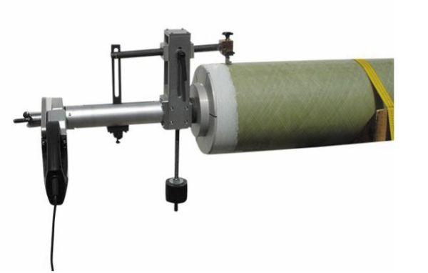 Рис. 5. Специальный станок для обточки стеклопластиковых труб