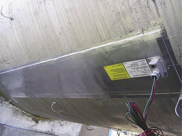 Рис. 2. Использование греющих панелей для резервуаров
